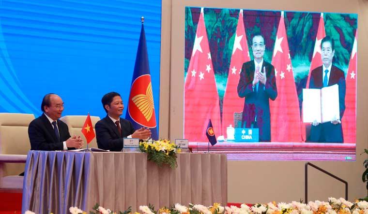 RCEP-Nguyen-Xuan-Phuc-Tran-Tuan-Li-Keqiang-Zhong-Shan-AP