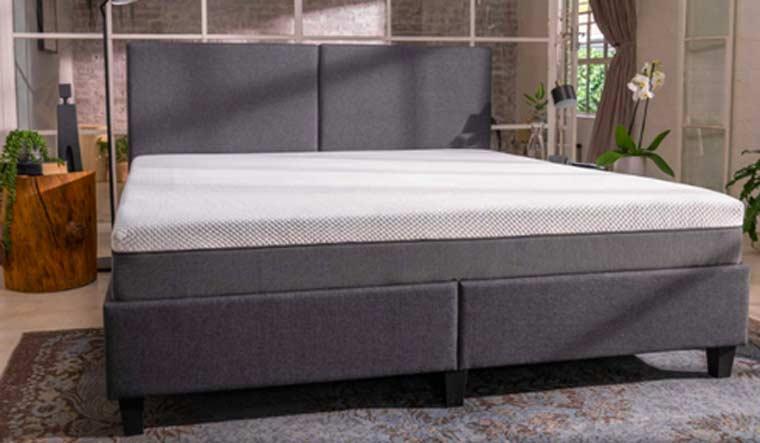 bed-mattress-3