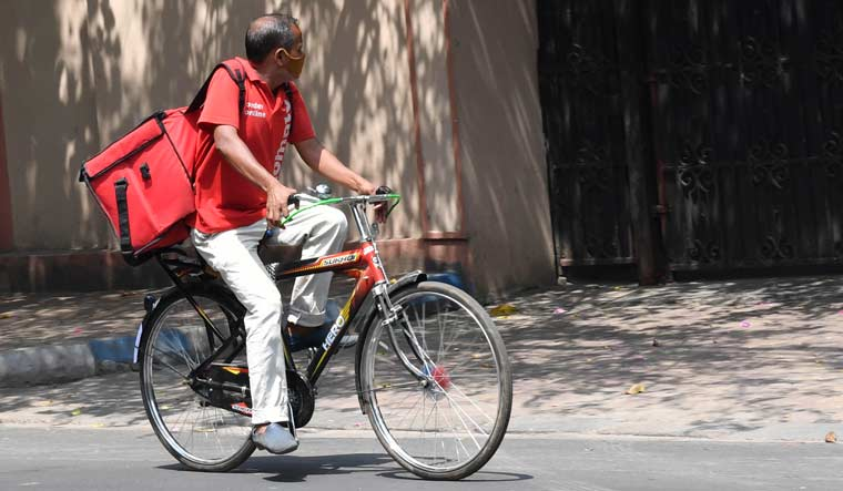 Zomato-delivery-bicycle-Salil