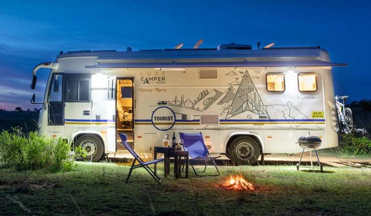 Luxe-Motorhome-caravan