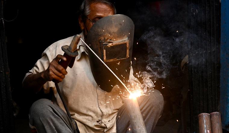 manufacturing-welding-economy-india-salil