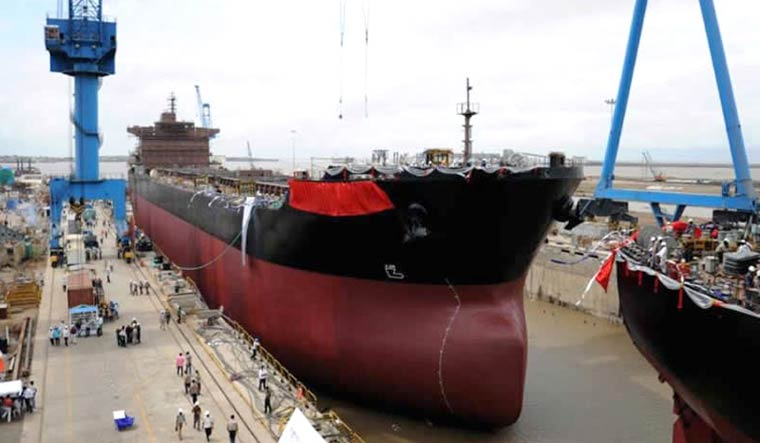 reliance-naval-commercial-shipbuilding-yard-RNAVAL