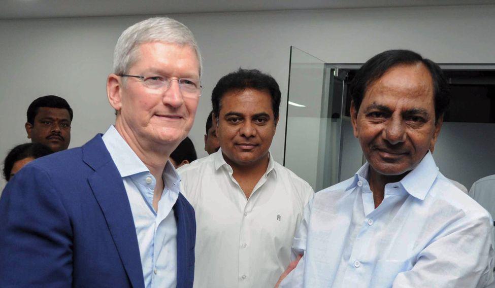 INDIA-APPLE-MAPS-IPHONE-COMPUTERS-TELECOMMUNICATION