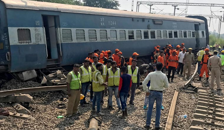 UP: New Farakka Express accident toll hits 7, over 30