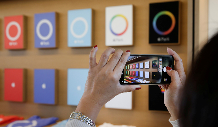 LG is reportedly struggling to meet Apple's demand for iPhone OLED displays