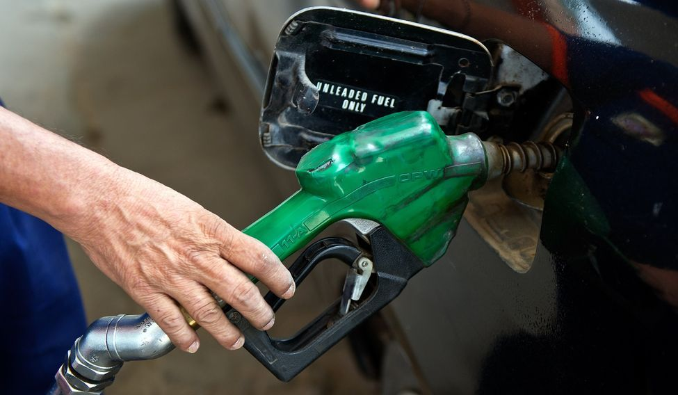 INDIA-OIL-ENERGY-PETROL