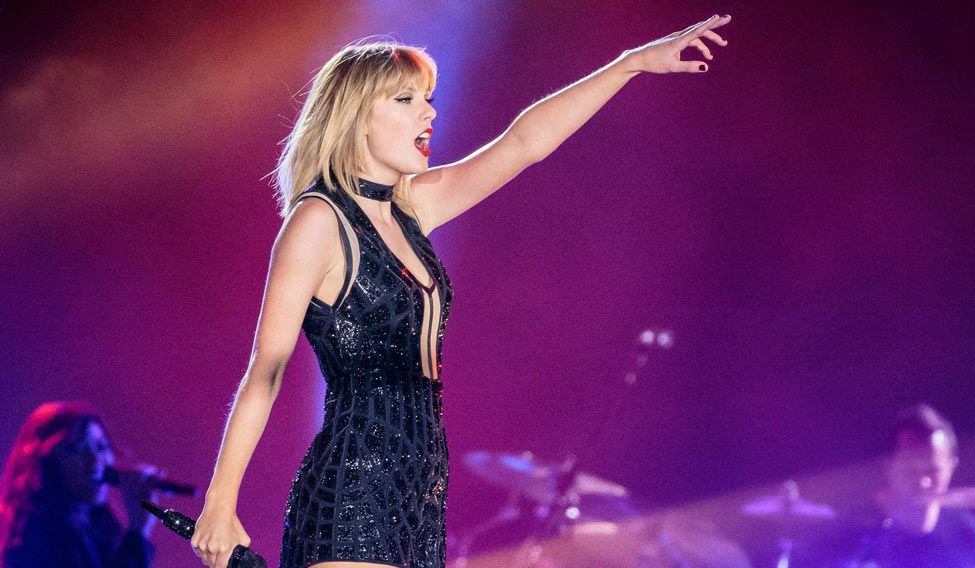 FILES-US-ENTERTAINMENT-MUSIC-TAYLORSWIFT