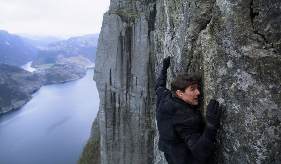 Henry Cavill & Tom Cruise Tease Mission Impossible Super Bowl Trailer