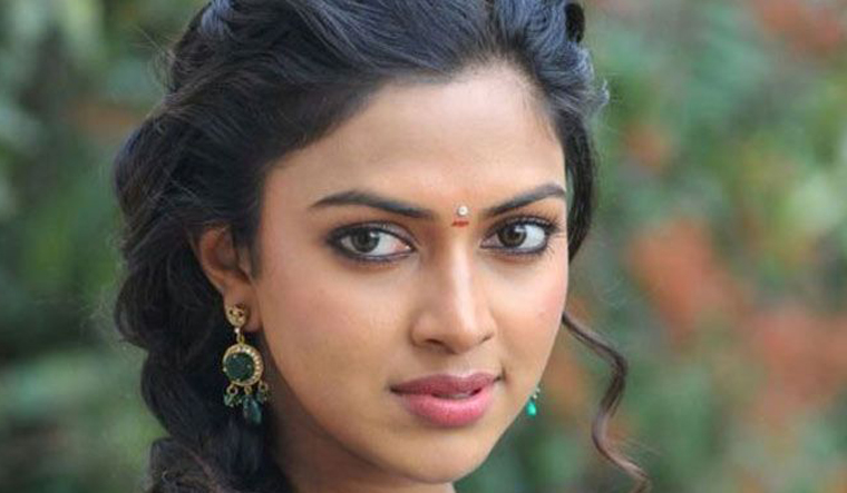 actress amala paul comes out against susi ganesan kollywood metoo