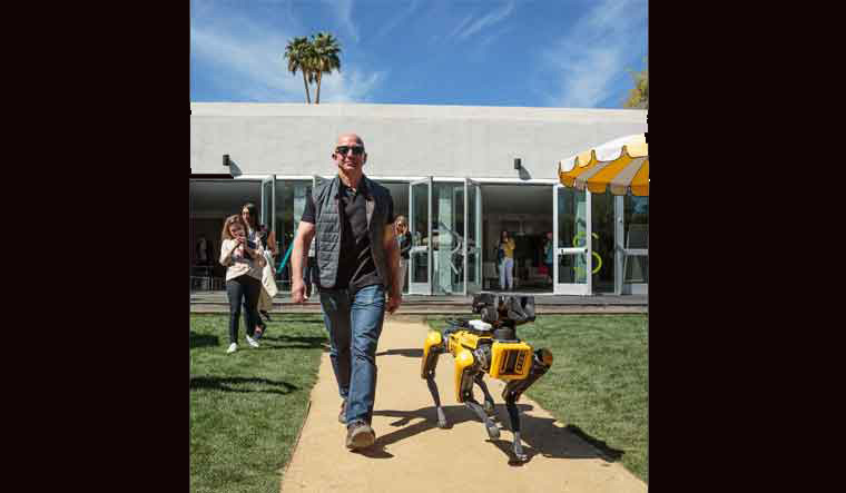 Jeff Bezos Takes His Robotic Dog Out For A Stroll Amazon Jeff