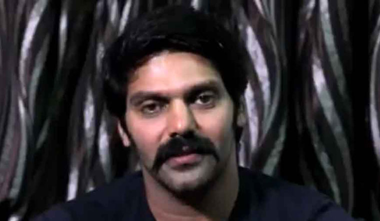Love jihad controversy: Actor Arya's bride hunt in Tamil