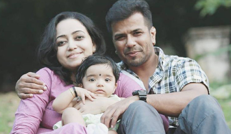 Singer-violinist Balabhaskar's child dies in auto accident, couple critical