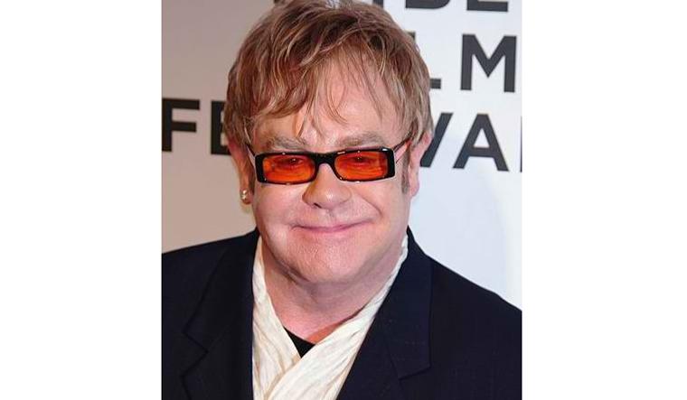 Elton John cuts concert short due to pneumonia