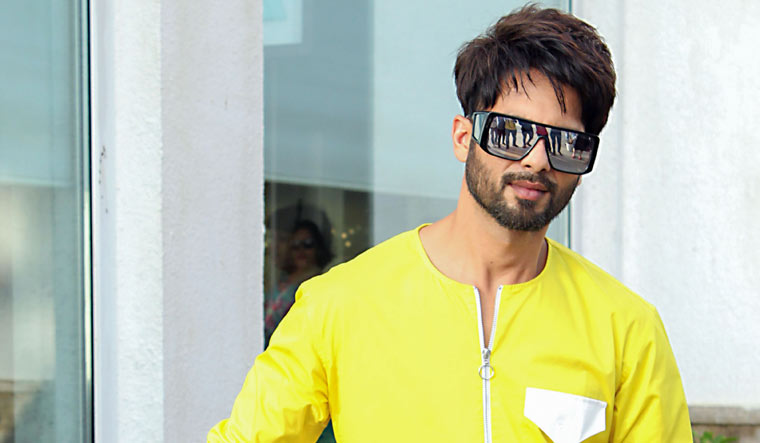 Shahid Kapoor works out in Mumbai gym despite govt guidelines ...