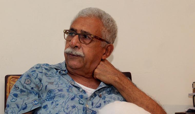 Anupam Kher a clown, shouldn't be taken seriously, says Naseeruddin Shah