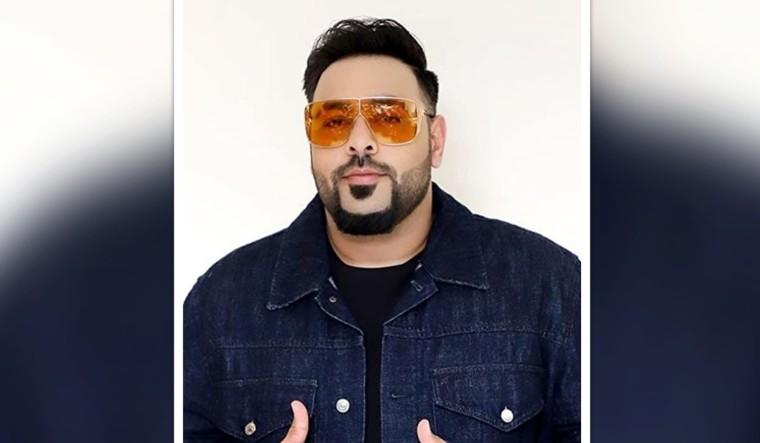 'Genda Phool' row: Baadshah pays Rs 5 lakh to original creator Ratan Kahar