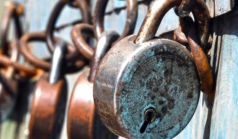 lockdown-salil-1