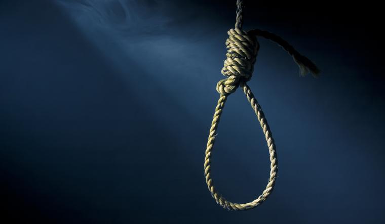 hanging-suicide-death-rope-noose-court-order-capital-opunishment-shut