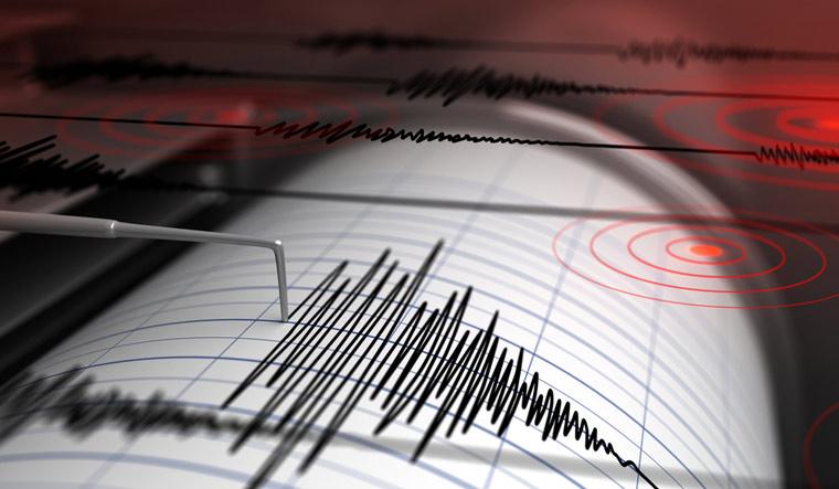 earthquake--seismograph-earthquake-earthquake-richter-scale-shut