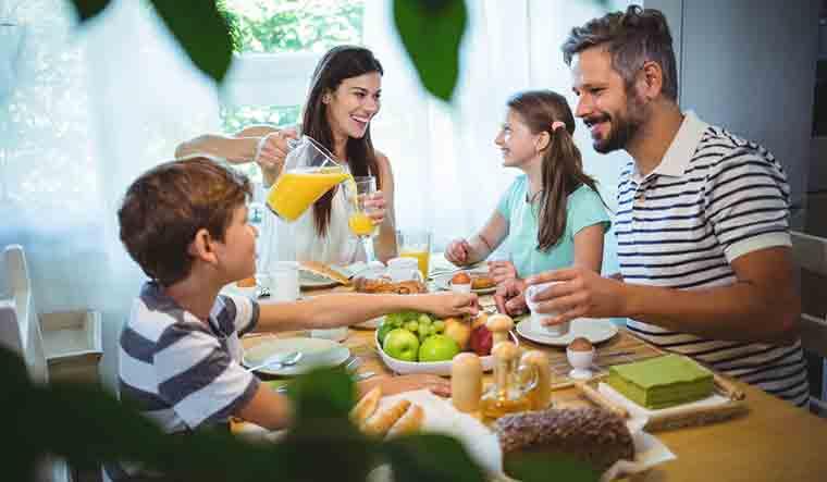 kids-food-eating-family