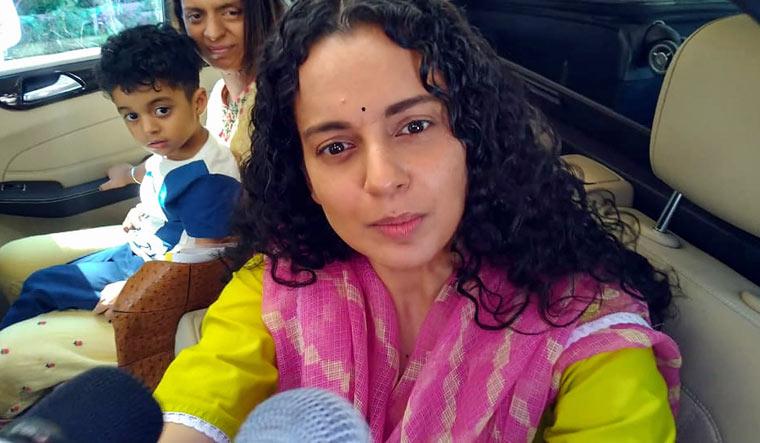 Bollywood-actor-Kangana-Ranaut-before-leaving-for-Mumbai-from-Manali-Sept.-8%2c-2020-pti