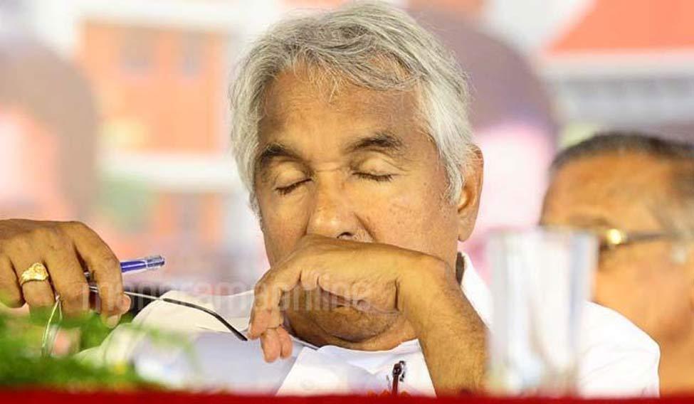 Oommen Chandy steps down; Pinarayi Vijayan to be next Kerala CM