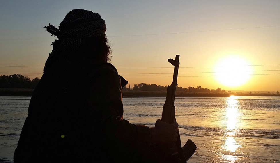 islamic-state-fighter-ap