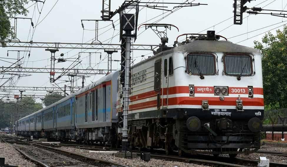 train-delhi-pti