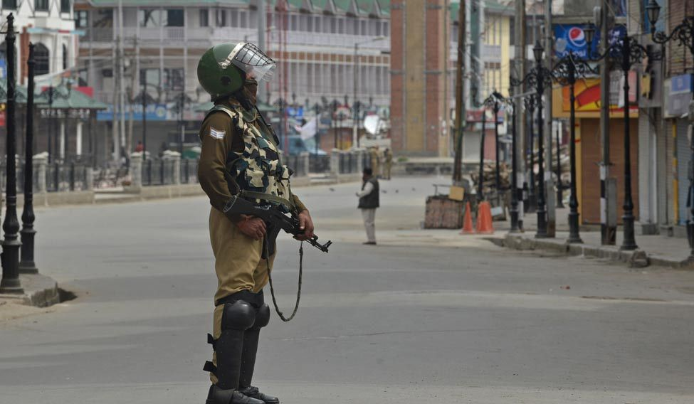 TOPSHOT-INDIA-KASHMIR-UNREST