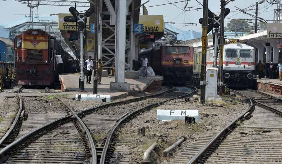 INDIA-POLITICS-RAILWAYS-BUDGET