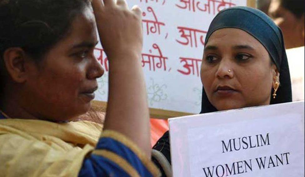 muslim-women-seek-entry-into-haji-ali-dargah-pti