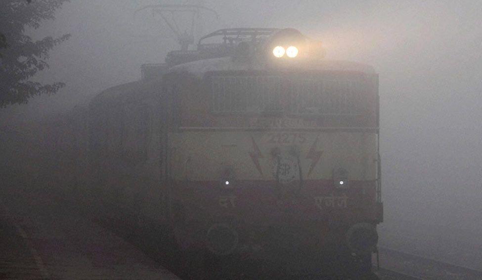 delhi-fog-train-pti