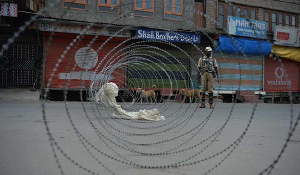 Srinagar-curfew