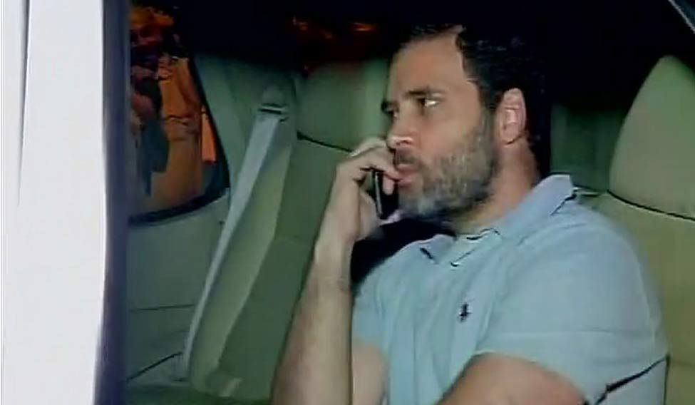 Rahul Gandhi reaches ex-soldier's village for cremation