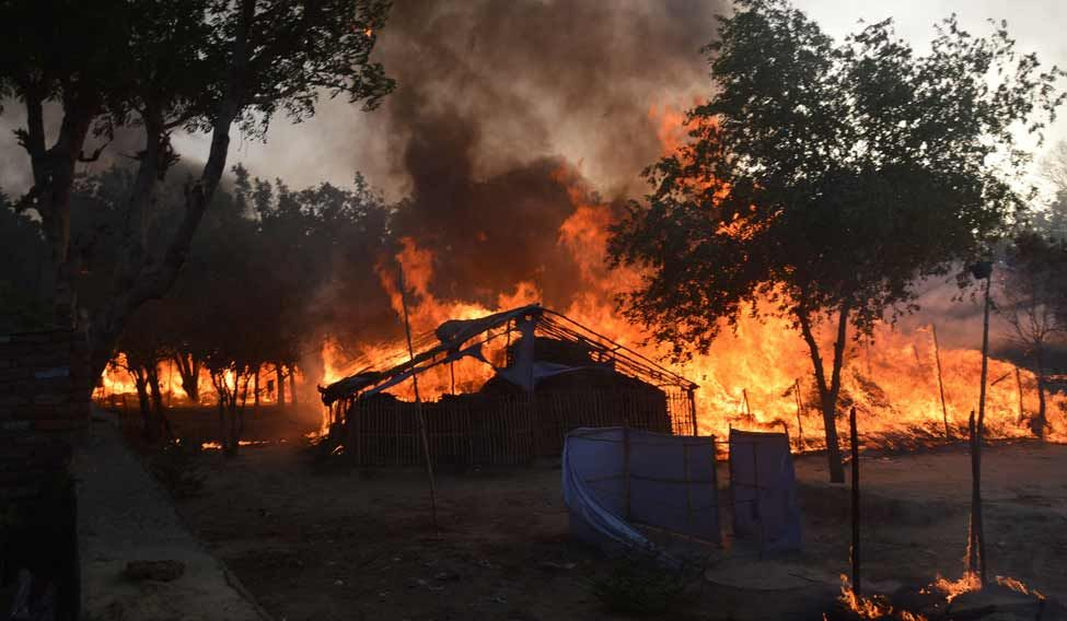 Mathura-Clash-Fire