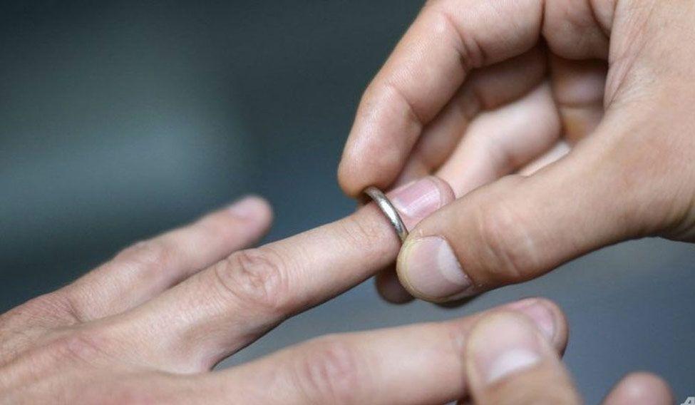 wedding-ring-afp