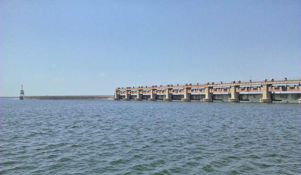 Godavari in spate, flood alert sounded in Telangana