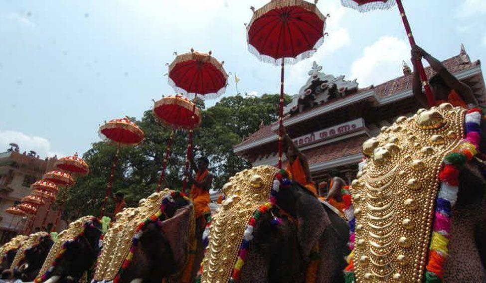 thrissur-pooram-manorama