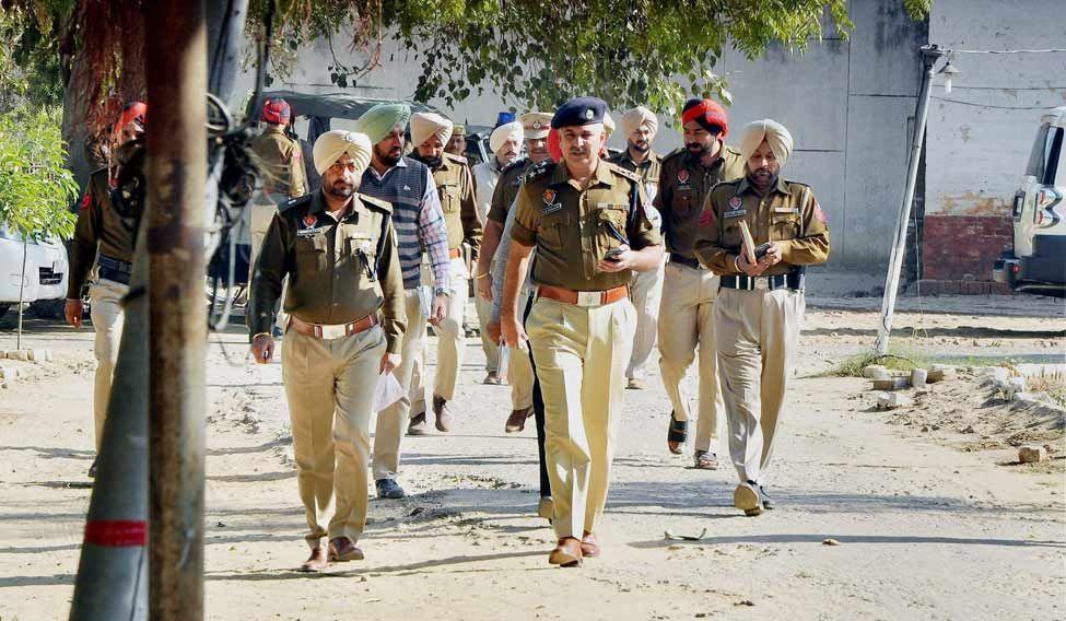 Police officials investigate after six inmates of Nabha Jail escaped near Patiala