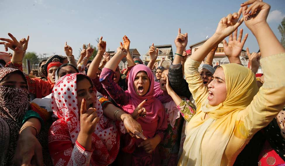 kashmir-protest081016-afp