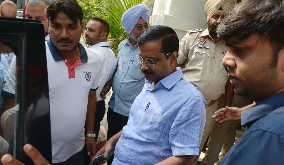 Kejriwal asks Delhi to declare war on mosquitoes