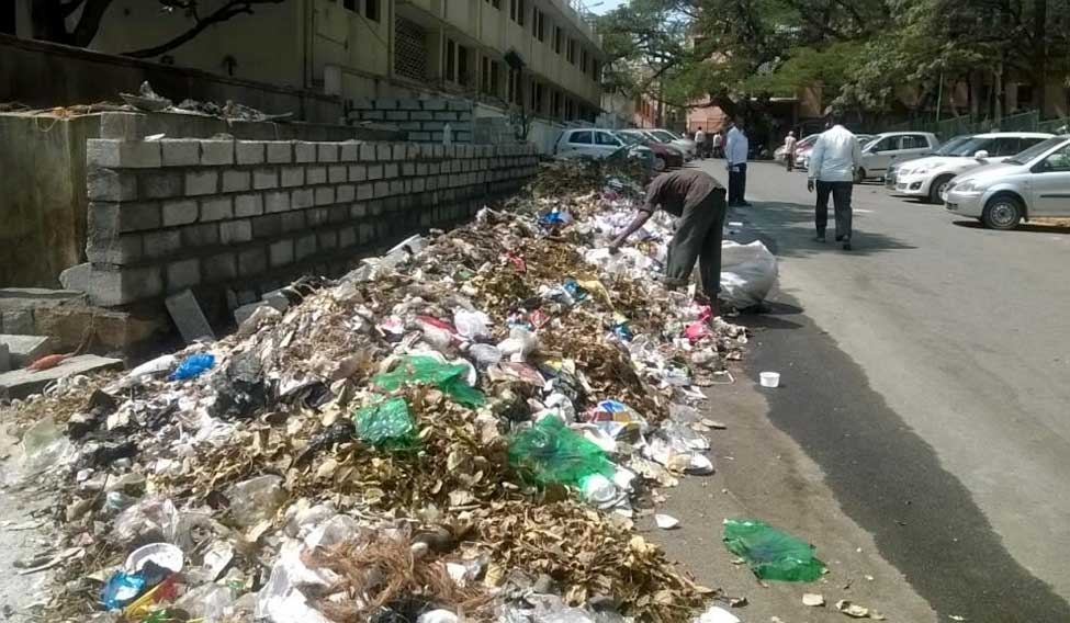 Garbage-bengaluru-Kathyayini-Chamaraj