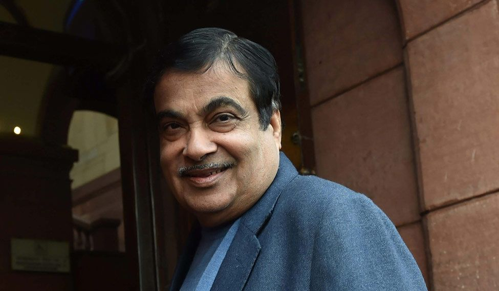 Gadkari 'attacks' Indian Navy for obstructing Mumbai dev