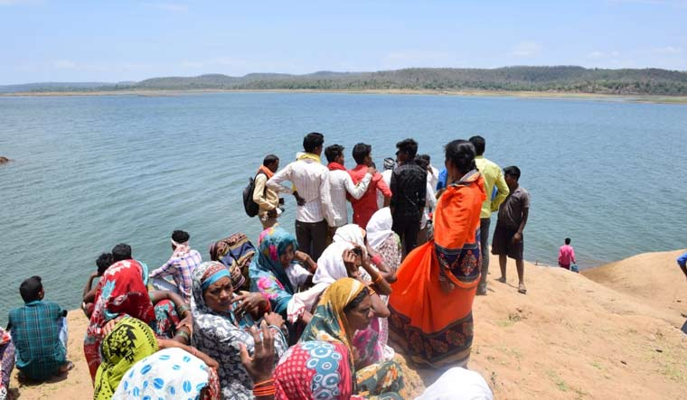 Madhya Pradesh: 4 women, child feared dead as boat capsizes in Narmada