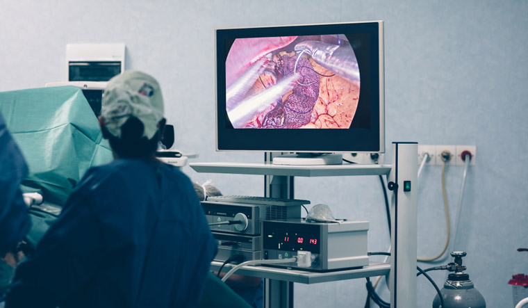 Bariatric-weight-loss-surgery-with-a-gastric-band-removal-of-a-portion-of-the-stomach-gastric-bypass-surgery-with-endoscopy--laparoscopic-gastric-sleeve-surgery-shut