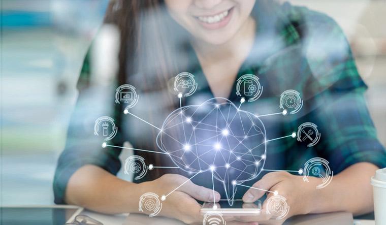 Polygonal-brain-shape-AI-artificial-intelligence-smart-city-Internet-of-Things-IoT-smartphone-mobile-phone-shut