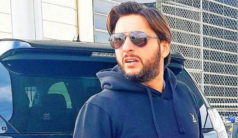 Shahid Afridi questions ICC over umpire's decision to not hold bowlers' cap