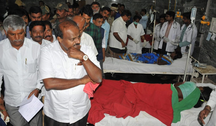 Feud between two factions led to temple tragedy that claimed 11 lives in Karnataka?