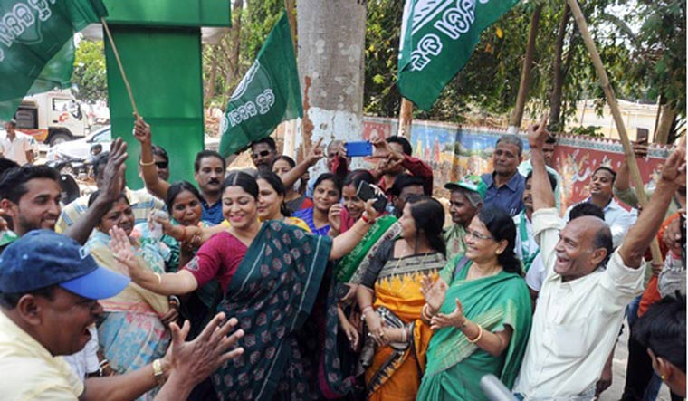 Rita Sahu meets Naveen Patnaik after win