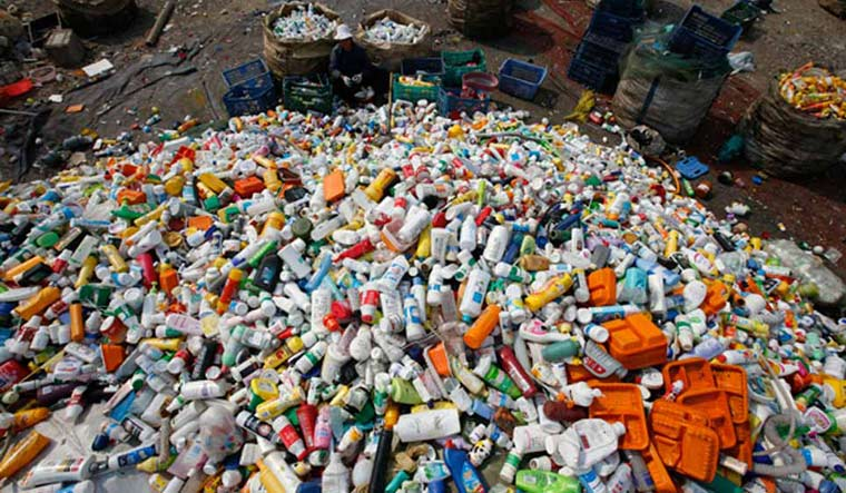 Maharashtra Bans Everyday Single Use Plastic Items From
